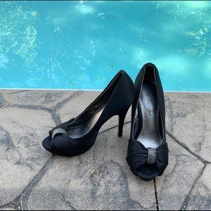 Lulu Townsend Satin Peep Toe Heels Sz 5.5